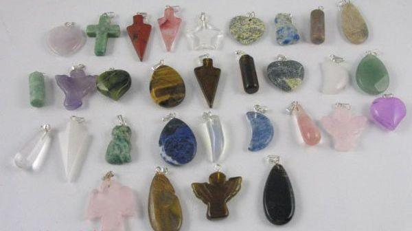 100 Pcs Assorted Gemstone pendants M1712