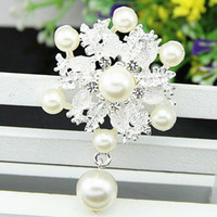Wholesale Scarf Pendent - Silver Tone Faux Pearls Drop Pendent Rhinestone Flower Corsage Womens' Costume Brooch Top Quality Women Scarf Pin Hot Selling