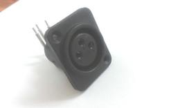Adaptateur XLR 3 broches pour montage sur châssis femelle ? partir de fabricateur