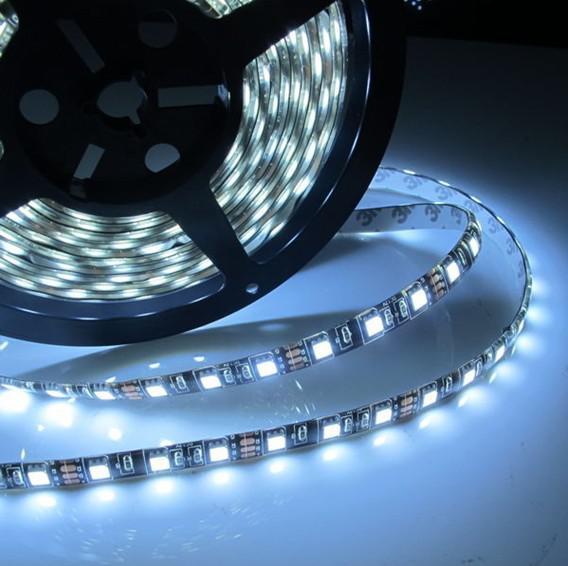 100 м водонепроницаемый 5 м Черный PCB 60led / m 5050 SMD 300 LED гибкая полоса света светодиодная лампа холодный белый / теплый белый DC12V