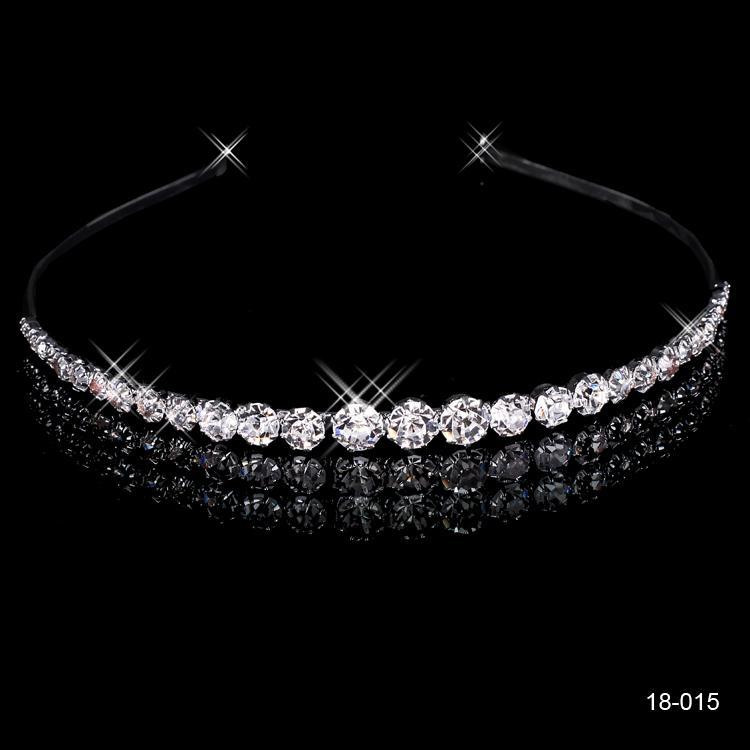 2020 a buon mercato corone popolari bei accessori capelli pettine cristalli strass Bridal wedding tiara 18015