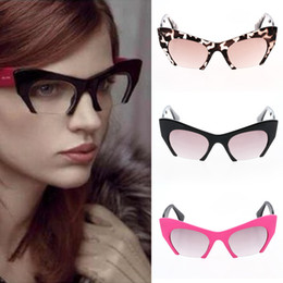 Wholesale Sexy Sport Sunglasses - 2015 Women Sunglasses Summer New Fashion Sexy Cat Eye Frame Eyewear Sunglasses Outdoor Designer Vintage Glasses