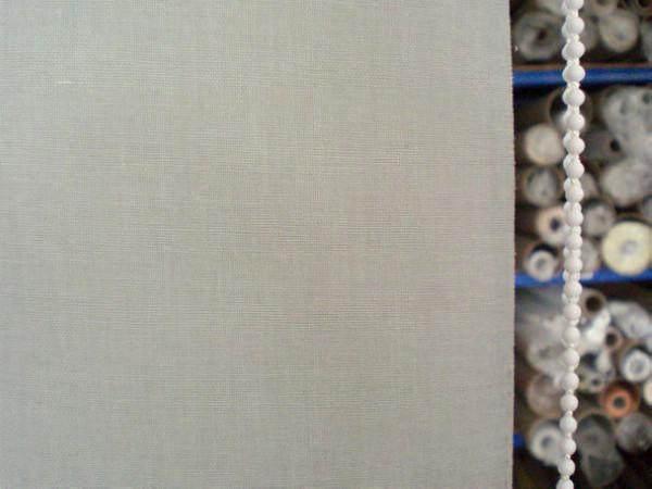 Anpassad Billig Blackout Curtain 100% Polyester Garn i Grå Rullgardiner Fönstergardin