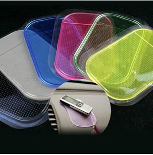 سيارة المضادة للانزلاق ومثبت الوسادة لوحة PU غير زلة حصير إعادة صالحة للاستخدام قابل للغسل حصيرة سيليكا جل ماجيك سيارة الهاتف PDA MP3 MP4 لغير زلة وسادة ساخنة بيع