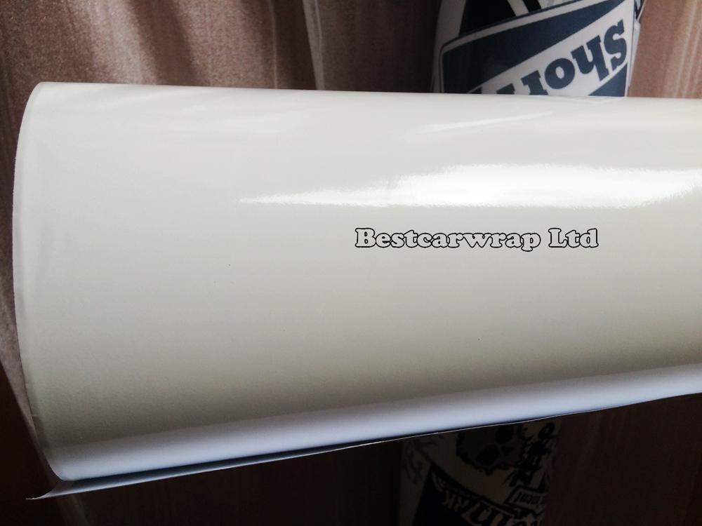 Högglans vit vinyl bil wrap glans glänsande vit film med luftbubbla fri för fordon wrap sticker folie storlek 1.52x30m / roll 5x98ft