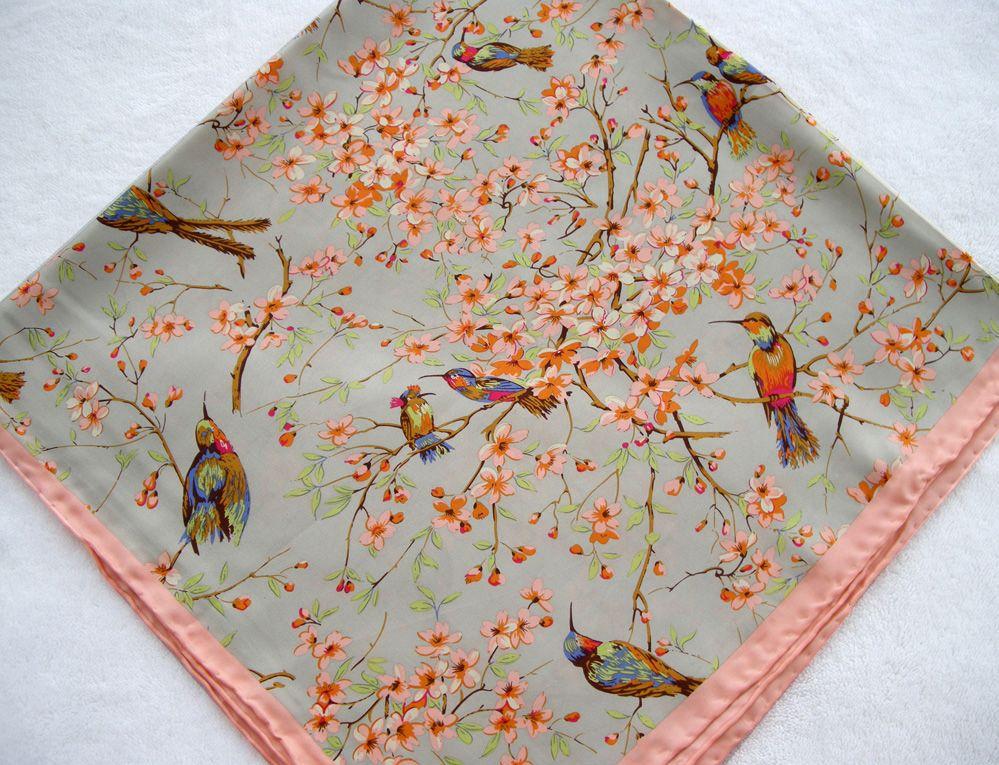 2015 Vogel-Muster Rosa Blumen Mulberry Silk Manuell Rand Seidentwill Frauen Unendlichkeit quadratischer Schal aus reiner Seide Schal