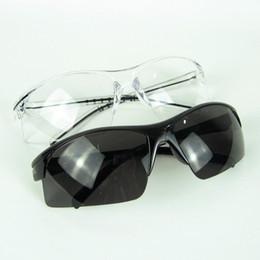 новые защитные очки Скидка Новые защитные очки Защитные очки Защитные очки Белый и черный на рабочем месте Поставщик 50 шт. Много Бесплатная доставка
