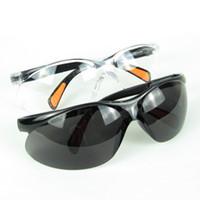 beyaz tarz gözlükler toptan satış-Yeni Stil Güvenlik Gözlükleri Güvenlik Gözlükleri Gözlük Emek Koruma Aletleri Siyah Ve Beyaz 50 adet Lot Ücretsiz Gönderi