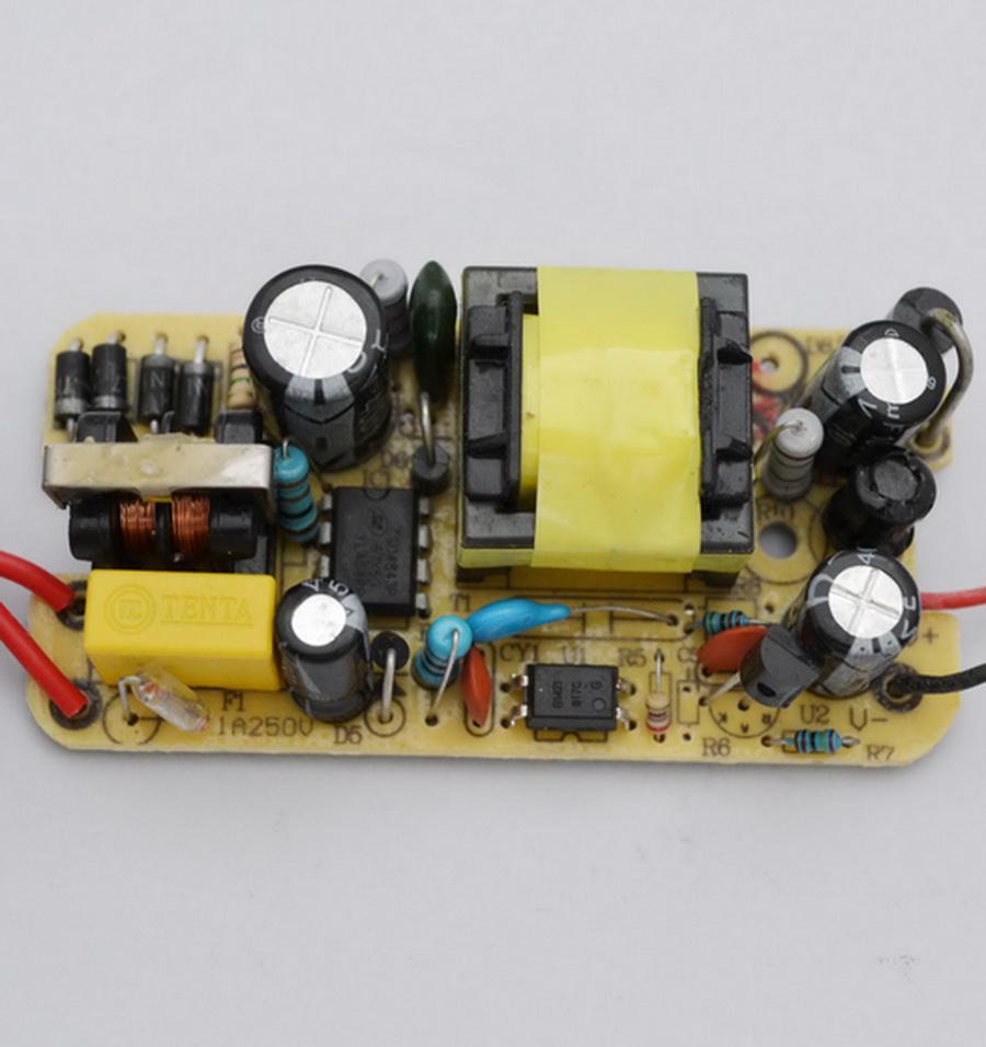Soluzioni IC, protezione da cortocircuito, protezione da sovraccarico Convertitore AC 100V-240V Adattatore DC 6V 2A Alimentatore US Plug