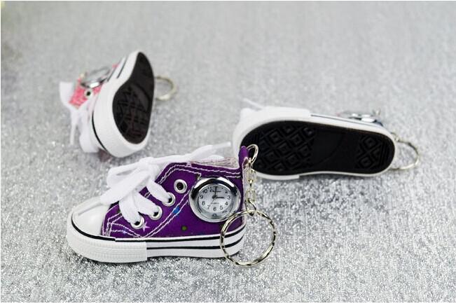 Nueva China hizo relojes de los zapatos de lona de la manera 3D con los llaveros Reloj del anillo dominante del metal para los hombres y el regalo de los niños de las mujeres