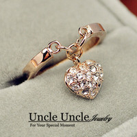 Rose Gold Color Rhinestones Inlays Heart-shape Pendant Design Exquisite Lady Fashion Ring