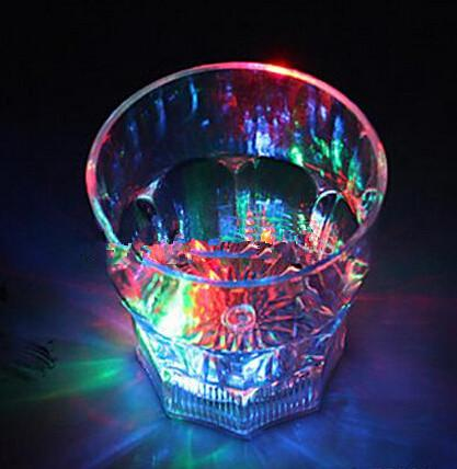 Boccale decorativo del club dei partiti del bar della tazza di vino della bevanda di plastica infiammante del LED