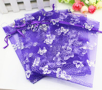 Commercio all'ingrosso libero di trasporto 100pcs / lot 9x12cm Butterfly viola Christamas / Wedding Drawable Organza Voile Gift Packaging BagsPouches