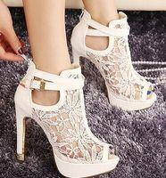 abd tokaları toptan satış-Seksi Beyaz Siyah Dantel Hollow Out Peep Toe Ankle Boots Toka Metal Topuklar Nefes Şık Düğün Ayakkabı 2014 2 Renkler 39 AB 34 Boyut