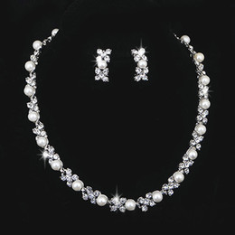 Wholesale Simple Wedding Necklace Earrings - Wedding Jewelry Sets Silver Artificial Pearl Rhinestone Crystal Bridal Dress Accessories Necklace Earrings Set Simple Style Shining Jewelry