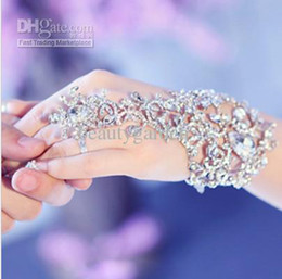 Wholesale Chain Elegant - Hot Elegant Wedding Bridal Party Prom Jewelry Crystal Rhinestones Diamonds Bracelet With Ring Wristband Bracelet jb050