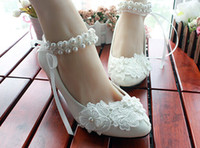 Wholesale Kitten Princess - 2014 New style handmade lace pearl princess shoes low heel round head shoes evening party bridal wedding shoes yzs168