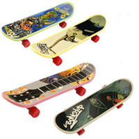 Wholesale Extreme Speed Finger Skate Board Toys Finger Skateboard Patterns Mixed Professional Kid s Toys Dynamic Boutique Gift Random Types