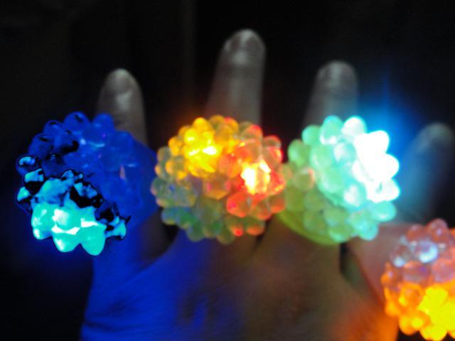 2014 heiße verkaufenkühle geführte helle blinkende Blasen-Ring-Party-Partei, die weiche Geleeglanz-Parteibevorzugung blinkt