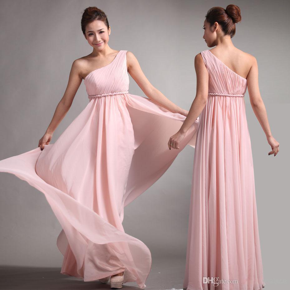 Großhandel Rosa Chiffon Neue Brautjungfernkleider Süße Prinzessin  Griechischen Stil Göttin One Shoulder Bare Pink Party Kleid Falten Discount  Prom