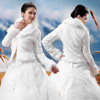 casaco de noiva pele longa venda por atacado-Nova Moda Pronto Para Enviar Pena de Peles Brancas Venda Quente Jaquetas De Casamento Barato de Manga Longa de Alta Neck Faux Fur Nupcial Bolero 2014 Casaco de Casamento