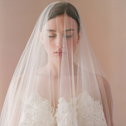 Wholesale Single Layer Fingertip Veil - Ivory Lace Fingertip Wedding Veils Soft Tulle Bridal Gown Veil Single Layer Bridal Accessories Blusher Veils 1.7m Length 1.6m Width