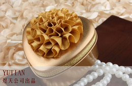 Wholesale Metal Candy Gift Favor - 2014 New Korean style 67mmx65mmx32mm lover Heart-shaped tin candy box with silk lotus flower Christmas gift Chocolate Candy Tin Boxes