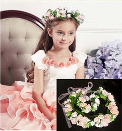 Fasce bianche di ghirlande online-New Elegant Children Girl Flower Fascia per capelli Bracciale Lovely Floral Garland Wedding Headwear Hair Jewelry Wristband Pink White