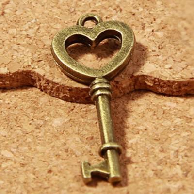 Portachiavi d'epoca - 100 pezzi in bronzo -Antique - fascini di chiave del cuore - buona lunga tre centimetri mestiere di DIY
