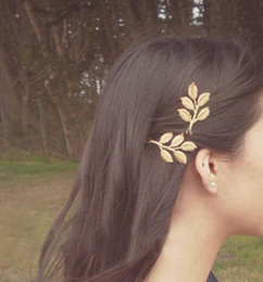 Wholesale elegant hair fashion - Lovely European Fashion Vintage hairpin Woman's golden Alloy Flower Leaf Hair Clip elegant hair accessories for girl party wedding #70204