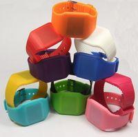 dünne led-bildschirm großhandel-LED-Sport-Fancy LED-Uhr der Kinder LED für Frauen führte Uhr-Digitalanzeige-Gummibänder Armbanduhr-Uhren ultra dünnes Rechteck