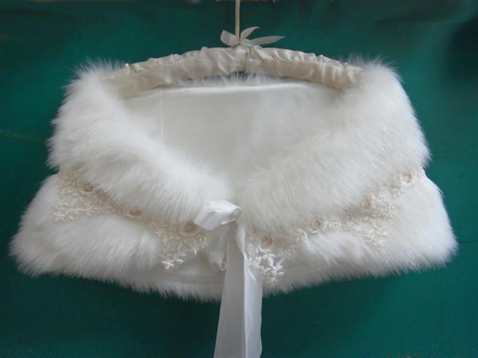 2019 재고 있음 한 사이즈 US8 Applique 라인 석 Cheap Bridal Accessories 겨울 모피 웨딩 민소매 랩 Cape Shawl Jackets