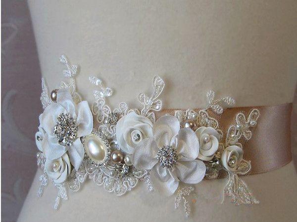 شحن مجاني 2014 جديد الأزياء الفاخرة مطرز اللؤلؤ اليدوية زهرة زين الزفاف الزنانير أحزمة الزفاف لفساتين الزفاف
