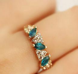 Wholesale Indian Sweets - Austrian Crystal Flash Sweet Retro Feel Emerald Diamond Ring Finger Jewelry Female Hearts [JR14224*10]