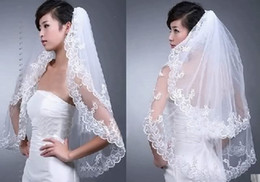 $enCountryForm.capitalKeyWord Canada - New Free Shipping Wedding Accessories White Ivory Fashion Short Two Layer Lace Bridal Veils With Comb Appliques High Quality
