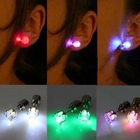 ingrosso orecchino magnetico del flash-Regalo di Natale LED Stud Flash Orecchini Forcine Strobo LED Orecchino Luci stroboscopiche LED luminoso orecchino magnete partito Luci orecchino di moda