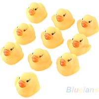 10 pcs Baby Kids Girl Rubber Boy Jouets de bain pour enfants Cute Rubber Race Squeaky Duck Ducky Yellow Accessoires Vente