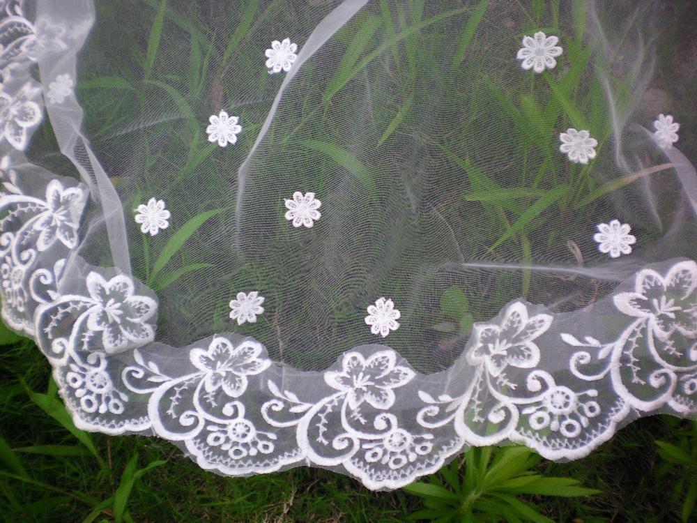 Latest Design Three Meters 1 Layer Long Appliques Edge Lace Wedding Veils Bridal Accessories Elegant Fashion