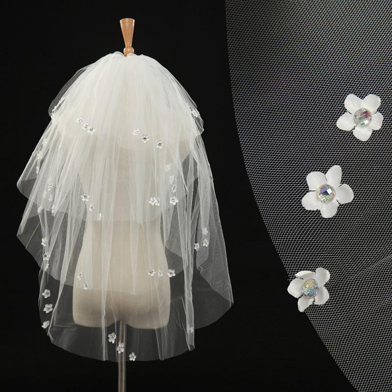 2019 in Stock Cheap Cut Edge Short Bridal Veils 4 Layers Flowers Crystals Ivory White Tulle Wedding Veils Bridal Accessories