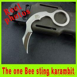 2014 La única picadura de abeja Mini cuchilla karambit cuchillo D2 acero EDC cuchillo caza camping cuchillo de hoja fija de calidad superior regalo de Navidad 170H desde fabricantes