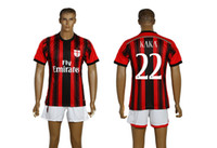 # 22 KAKA AC Milan 14-15 Fußball-Sets Home Away Custom Football Uniformen Italien Serie A New Saison Verein-Fußball-Hemden mit Shorts Mix bestellen