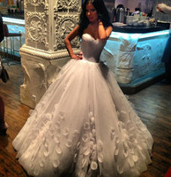 Wholesale Brautkleider Winter - New Princess Ball Gown Wedding Dresses 2014 Organza Petals Bandage Custom Made Sweetheart White Ivory Long Sweep Train Brautkleider W1178