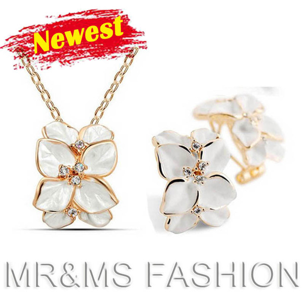Factory Wholesales Top sales 18k cheap flower pendant necklace earrings for women best gift for women fashion alloy fine jewelry sets H49542