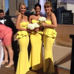 Deutschland Sexy gelbe Brautjungfer Kleider Strand Liebsten Ärmelloses Schößchen Backless Rüschen bodenlangen Trauzeugin Kleid Plus Size Abendkleid Versorgung