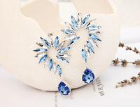 Wholesale horse earring gold - 2017 popular jewelry fashion horse eye parts earring Flower gold\silver Shaped big Crystal drop Earrings for wmen