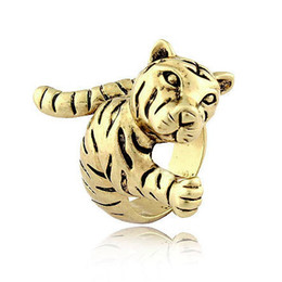Wholesale Tiger Ring Band - Retro Metal Texture Tiger Rings Inner diameter of 1.9cm J179