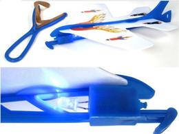 controlador de luz rc Desconto Mais recente venda Quente cintilação Incrível avião voando flicker Luminous ejection plane brinquedos infantis