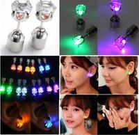 geführter blinkender magnet großhandel-Flash-Ohrringe Haarnadeln Strobe LED-Ohrring Lichter Strobe blinkt Nightclub Partyartikel Magnete Fashion Beleuchtung