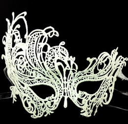 Wholesale White Lace Masquerade Masks - New type Masquerade Halloween Exquisite Lace Half Face Mask For Lady Black White Option Fashion Sexy Free Shipping