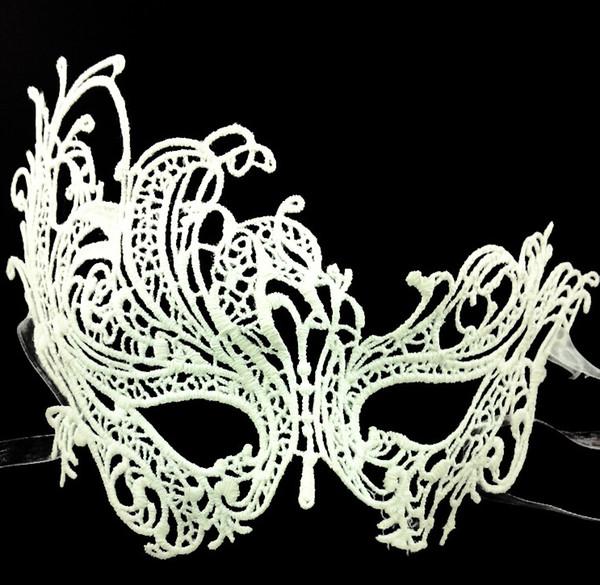 Nuevo tipo Máscaras de Halloween Exquisito Encaje Media Máscara Para Dama Negro Blanco Opción Moda Sexy Envío gratis